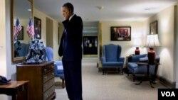 """Obama admitió en otras ocasiones que """"batalla"""" constantemente para dejar de fumar, aunque ahora parece finalmente haberlo logrado."""