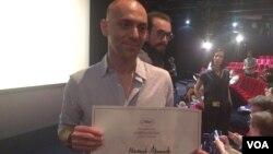 آقای احمدی دومین ایرانی است که جایزه سینه فونداسیون کن را کسب می کند.