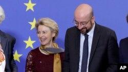 Ursula von der Leyen et Charles Michel, respectivement présidents de la Commission et du Conseil européens ont validé l'accord de Brexit.