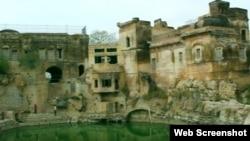 چکوال میں واقع کٹاس راج مندر 2300 سال پرانا ہے