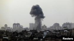 19일 이스라엘의 공습으로 연기가 치솟는 가자 지구.