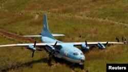 Muonekano wa ndege aina ya Antonov 12 ikiwa safarini