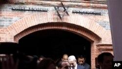 PM Israel Benyamin Netanyahu mengunjungi Sinagog Ohel Moshedi Shanghai, China (7/5).