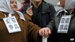 La organización defensora de los DD.HH. Madres de Plaza de Mayo se opone a visita del presidente Obama a Argentina.