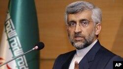 ທ່ານ Saeed Jalili ທີ່ປຶກສາດ້ານຄວາມປອດໄພແຫ່ງຊາດ ແລະຫົວໜ້າເຈລະຈາ ນີວເຄລຍຂອງອີຣ່ານ. ວັນທີ 31 ທັນວາ 2011.