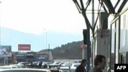 Autoritetet greke lehtësojnë lëvizjen e shqiptarëve në kufi