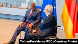 Président Félix Tshisekedi (G) na masolo na mokambi ya Parlement ya Allemagne Wolfgang Schäuble, Berlin, Allemagne, 14 novembre 2019. (Twitter/Présidence RDC)