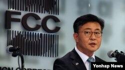 홍용표 한국 통일부 장관이 14일 오후 서울 프레스센터에서 열린 서울외신클럽 초청간담회에서 모두발언을 하고 있다.