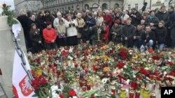 Poland Mourns President