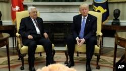 Donald Tramp Oq uyda Falastin muxtoriyati Prezidenti Mahmud Abbosni qabul qilmoqda, 3-may, 2017-yil, Vashington