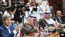 ABD Dışişleri Bakanı John Kerry Cidde'deki toplantıda Arap yetkililerle