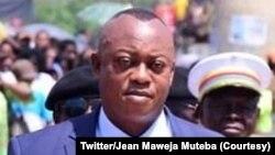 Jean Maweja Muteba mokambi ya etuka ya Kasaï oriental akweyisami na bondimami ya pétition ya Assemblée provinciale, Mbuji-Mayi, 1er avril 2021. (Twitter/Jean Maweja Muteba)