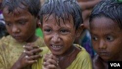 ສະຫະປະຊາຊາດ ກ່າວວ່າ ຍັງມີ 140,000 ຄົນ ບໍ່ມີບ່ອນພັກພາອາ ໄສ ຢູ່ໃນລັດ Rakhine ທາງ ພາກຕາເວັນຕົກຂອງມຽນມາ.