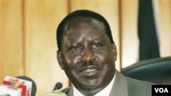 PM Kenya Raila Odinga tiba kembali di Abidjan sebagai mediator Uni Afrika, Senin 17 Januari 2010.