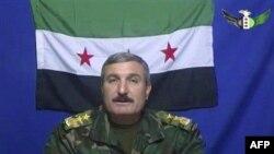 Özgür Suriye Ordusunun komutanı Albay Riyad el-Esaad