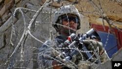 حملات طالبان بر قوای خارجی وکارگران افغان