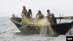 Ngư dân Việt Nam đánh bắt cá ở Biển Đông.