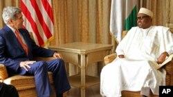 Janaral Buhari da Sakataren Harkokin Wajen Akurka, John Kerry.