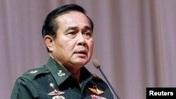 泰国军政府领导人巴育将军6月13日在曼谷一次会议上讲话。