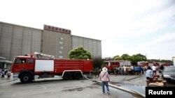 31일, 상하이 액화 암모니아 누출사고 현장에 소방차가 출동한 모습.