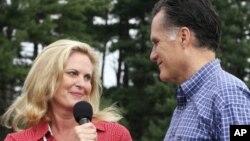 Энн и Митт Ромни (архивное фото)