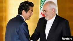28일 일본을 방문한 모하마드 자바드 자리프 이란 외무장관이 아베 신조 총리를 면담했다.