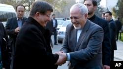 کمتر از یک ماه پیش احمد داوود اغلو، نخست وزیر ترکیه به تهران آمده بود.