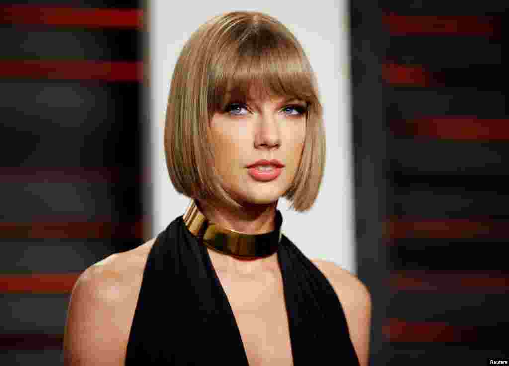 1. Taylor Swift ($170 million). La chanteuse de country a mis l'Amérique dans sa poche, tout en empochant 200 millions de dollars pour son dernier tout.