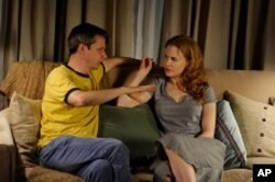 Director John Cameron Mitchell with actress/producer Nicole Kidman on the set of RABBIT HOLE.