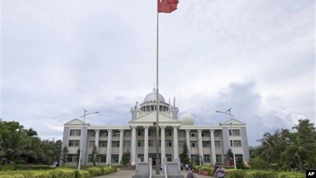 Bắc Kinh cho biết xây trường trên đảo lớn nhất ở Hoàng Sa này để phục vụ cho con em của các quân nhân Trung Quốc tại đây sau 2 năm thành lập thành phố Tam Sa.