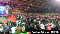 Pristalice Erdoğana pristižu u dvoranu Zetra, Sarajevo, 20. maj 2018.