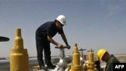 هشدار مجلس در زمنیه وابستگی بودجه به نفت با تشدید تحریم ها همراه شد
