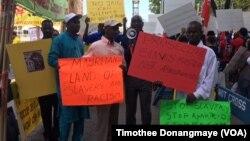 Des Mauritaniens manifestant devant l'ONU à New York contre la situation dans leur pays le 23 septembre 2016
