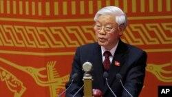 Tổng bí thư Đảng cộng sản Việt Nam Nguyễn Phú Trọng đọc bài diễn văn trong lễ khai mạc Đại hội Đảng Toàn quốc lần thứ 12 tại Hà Nội, Việt Nam, ngày 21/1/2016.