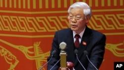 21일 열린 베트남 공산당이 제12차 당 대회에서 응웬 푸 쫑 베트남 공산당 서기장이 개막연설을 하고 있다.