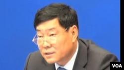 新疆自治区副主席史大刚2013年5月27日在北京举行的国新办新闻发布会上讲话。(美国之音东方拍摄)