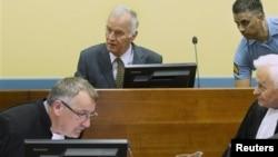 Bivši komandant vojske bosanskih Srba, Ratko Mladić u sudnici u Hagu