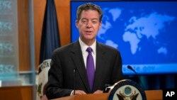 美国的国际宗教自由无任所大使布朗巴克2018年5月29日在美国国务院的一个记者会上讲话。