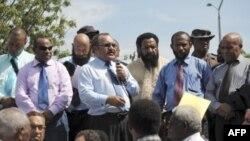 Ông Peter O'Neill phát biểu trước các ủng hộ viên ở Port Moresby, Papua New Guinea, ngày 15/12/2011