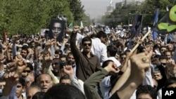 Protes atas film anti-Islam di Tehran, Iran. (Foto: AP/Vahid Salemi)