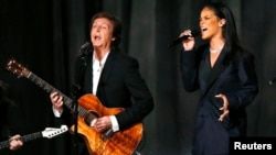 Paul McCartney e Rihanna