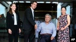 دیدار خوان گوایدو رئیس جمهور موقت ونزوئلا (نفر دوم از چپ) و همسرش با لنین مورنو رئیس جمهوری اکوادر
