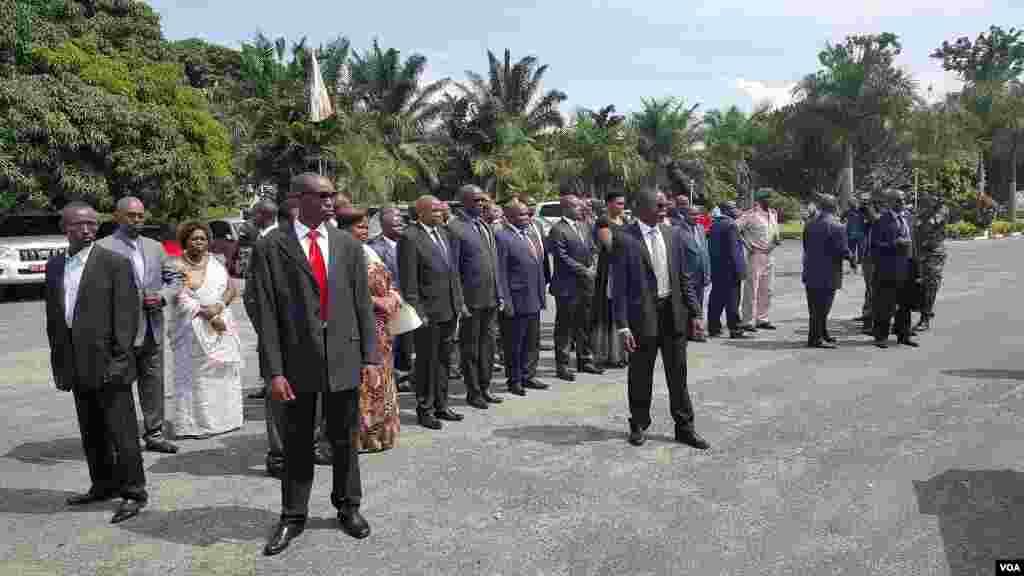 Des hautes personnalités du pays, ont assisté à la cérémonie en l'hommage de l'ex-président burundais, ke 16 mai 2016.