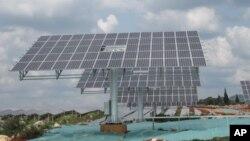 中國大力發展太陽能(資料照片)