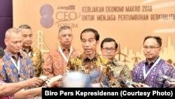 Presiden Joko Widodo menghadiri Pembukaan Kompas 100 CEO Forum di Jakarta, Rabu, (29/11). (Foto: Biro Pers Istana Kepresidenan)