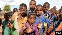 Somali youngsters are oblivious to the controversies surrounding their stay in Dadaab refugee camp, Dadaab, Kenya, April 24, 2015. (Mohammed Yusuf/VOA)