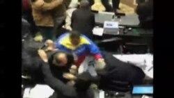Trifulca en Asamblea venezolana