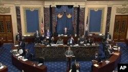 Kongresmen iz Merilenda, glavni menadžer za opoziv Džejmi Raskin govori na suđenju za opoziv bivšeg predsednika Donalda Trampa u Senatu 10. februara 2021.