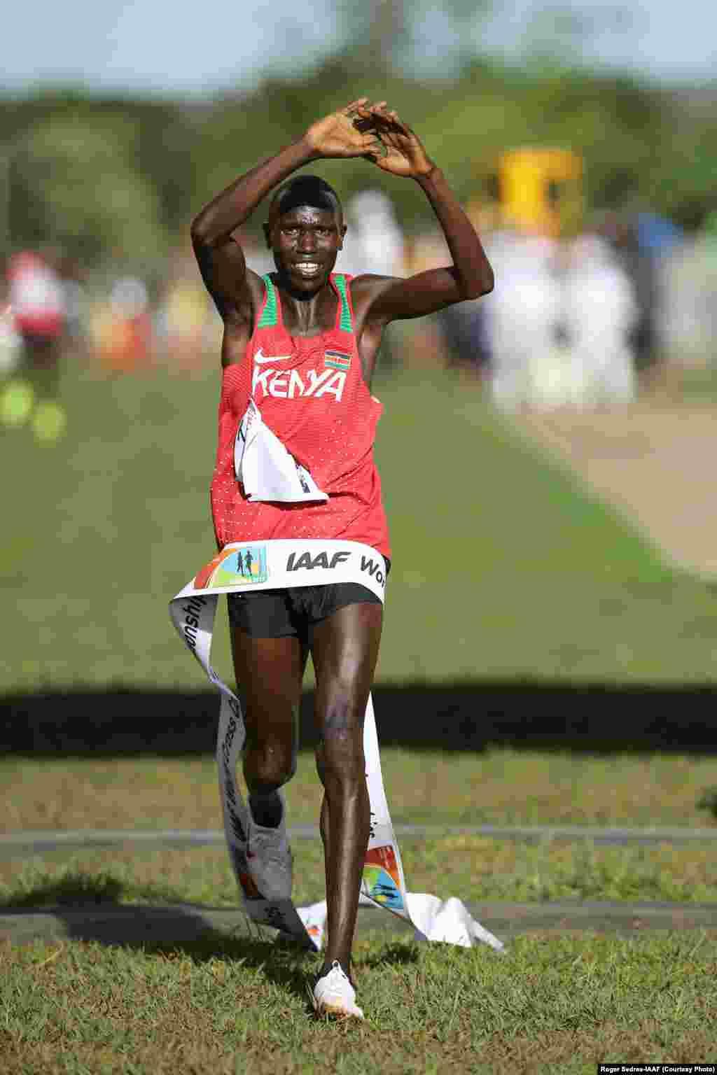 Bingwa wa dunia mbiyo za nyika Geoffrey Kamworor wa Kenya ashinda mbiyo za Kampala