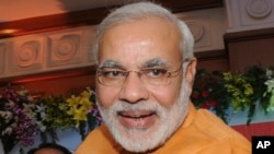 ناریندرا مودی، رئیس دولت ایالت گجرات هند، نامزد حزب بهاراتیا جاناتا برای نخست وزیری هند در انتخابات سال آینده